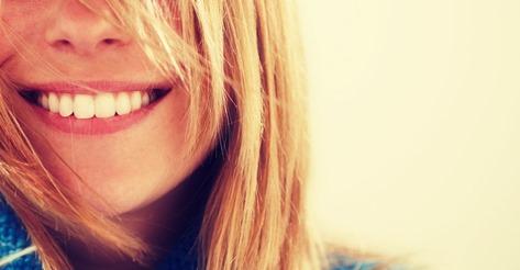 دختر خندان و باعتماد به نفس